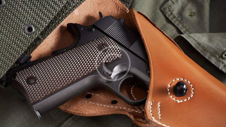Pozwolenie na broń – jak uzyskać dokument zezwalający na posiadanie broni palnej w Polsce?
