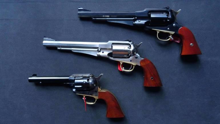 Rewolwer – jak działa? Kto wynalazł tę kultową broń? Historia i opis rewolweru